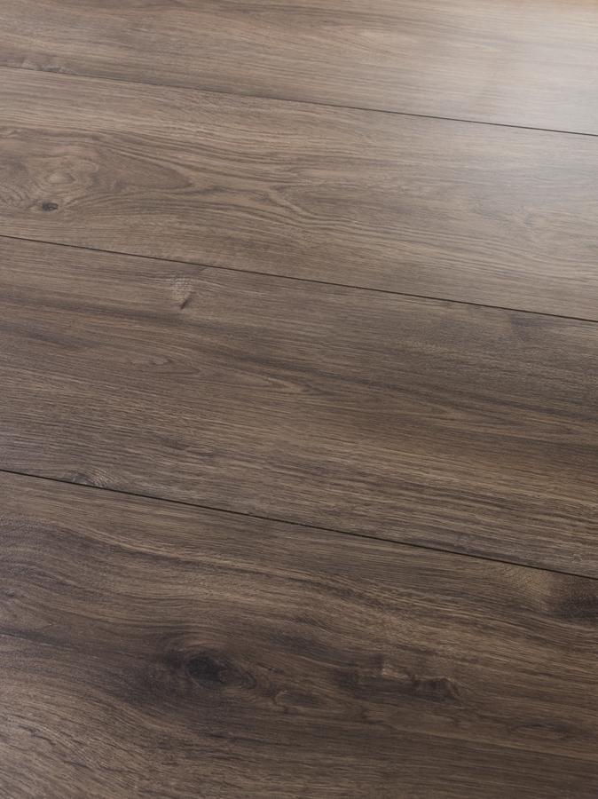 Tarkett №303 Дъб кафе 8мм / 32 клас 2V