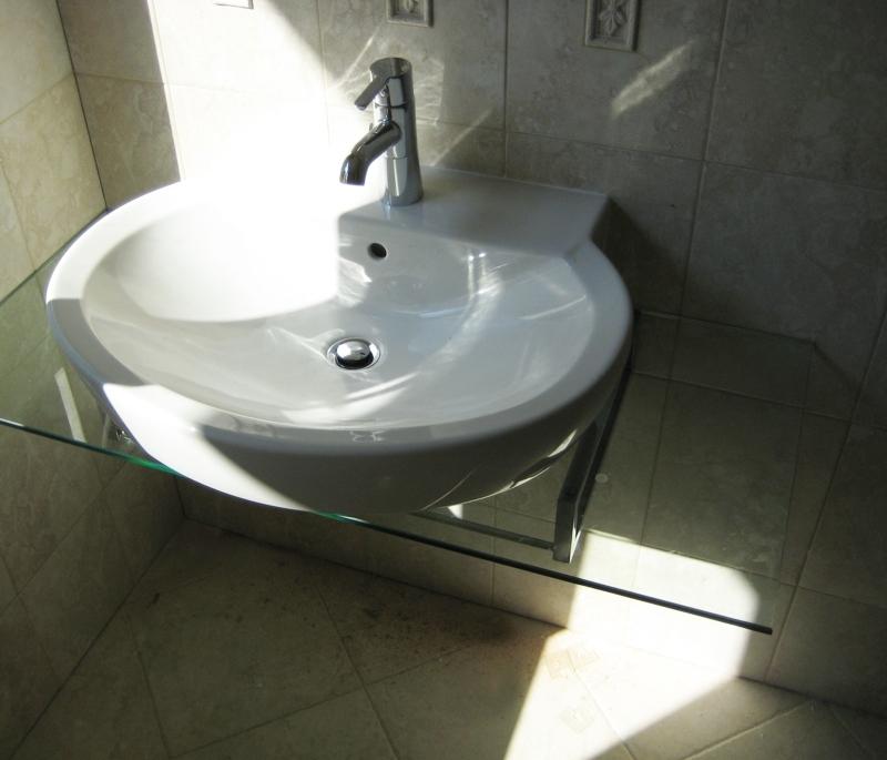 Стъклен плот за мивка