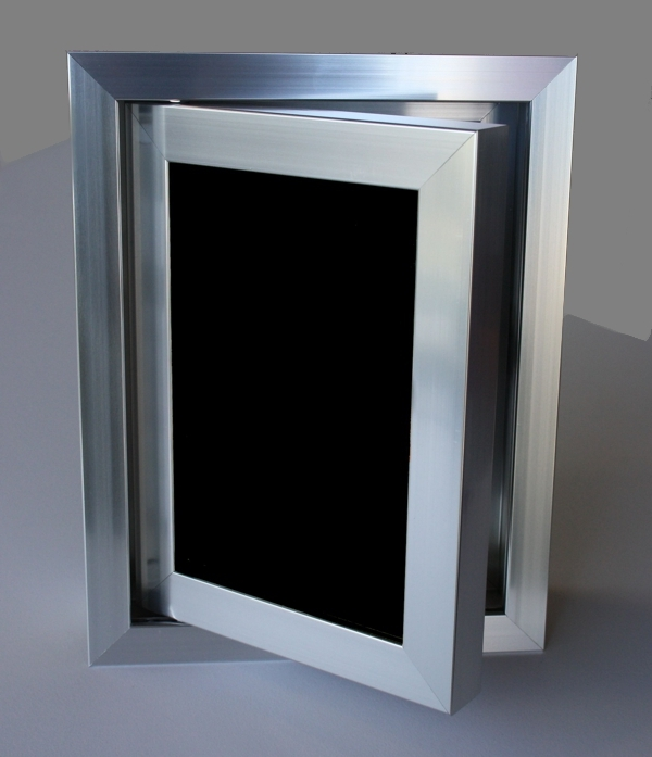 Ревизионна вратичка черна