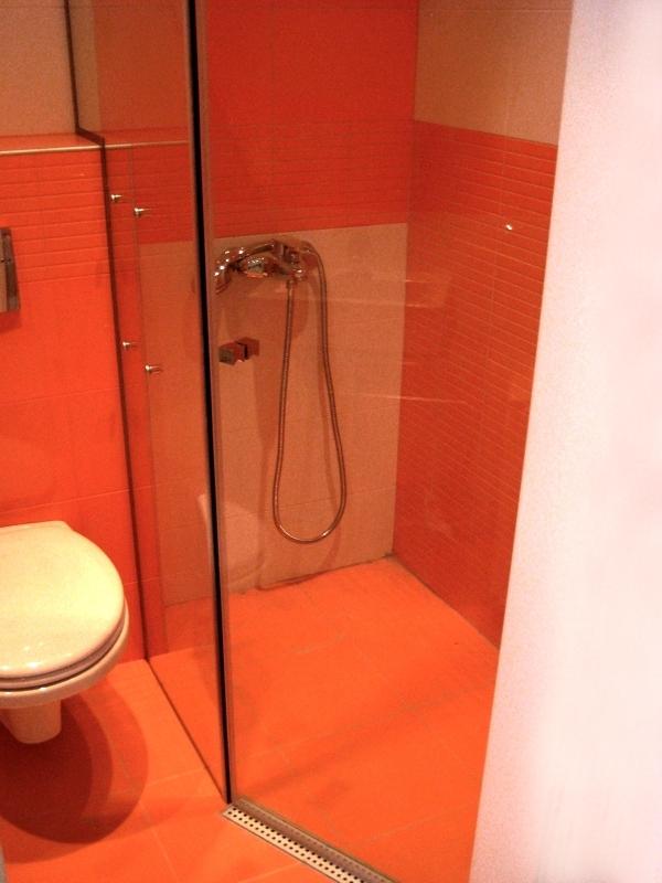 Спeциална душ преграда с 1 отваряема врата